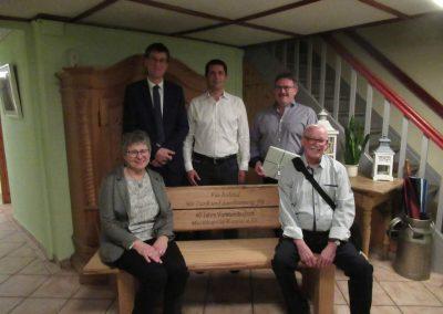 Die geehrten: Roland Gräßle mit Frau Claudia und Hans-Peter Zeller